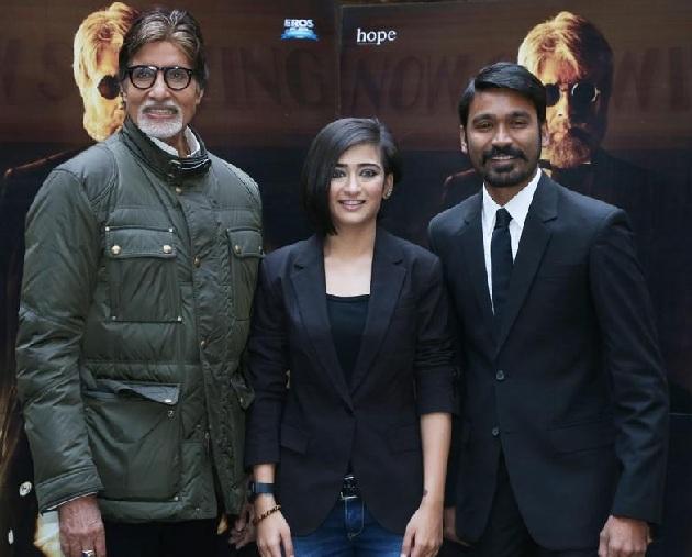 Amitabh-Bachchan-with-Akshara-Haasan-and-Dhanush