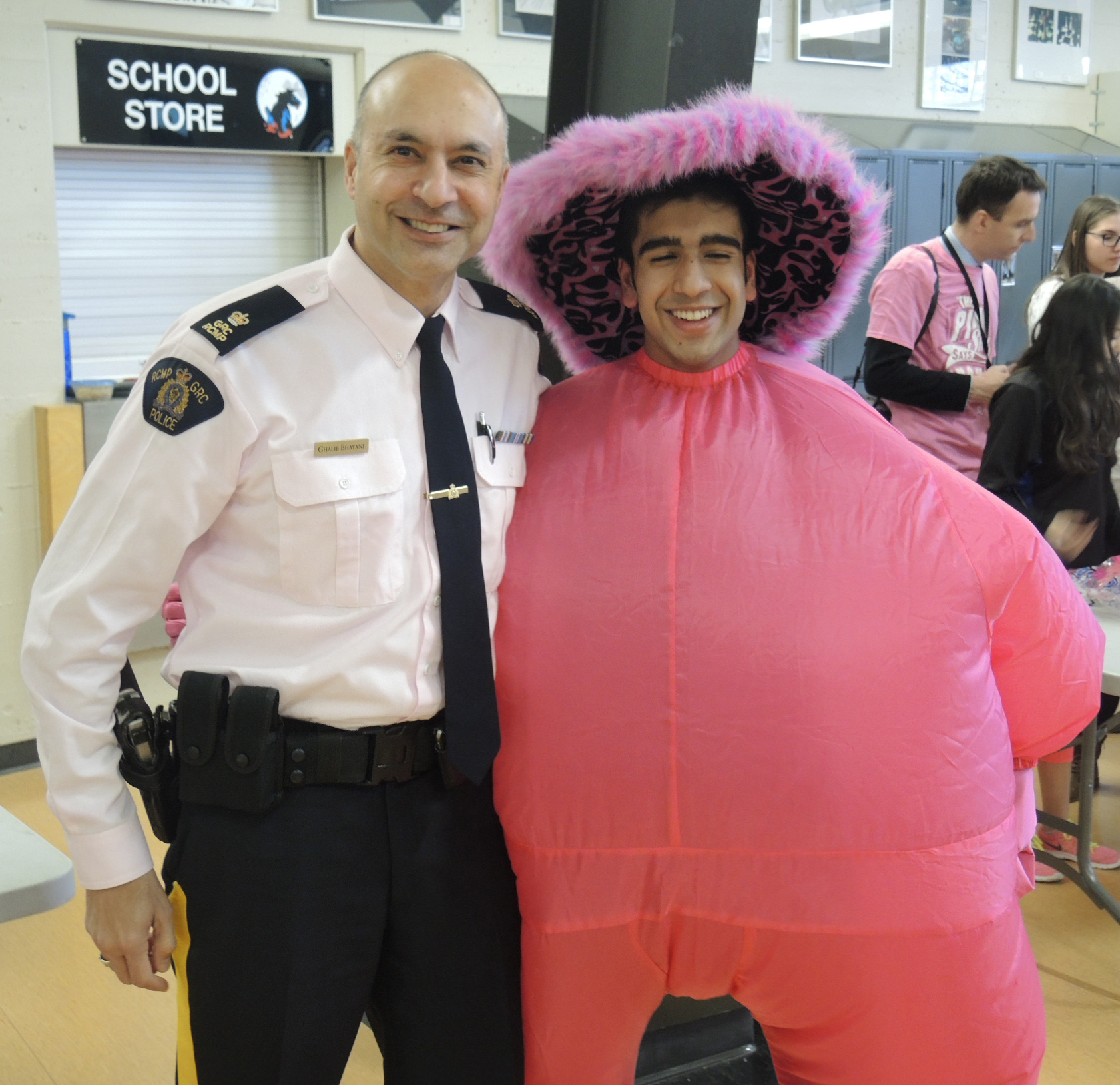 Insp. Bhayani with student on Pink Shirt Day