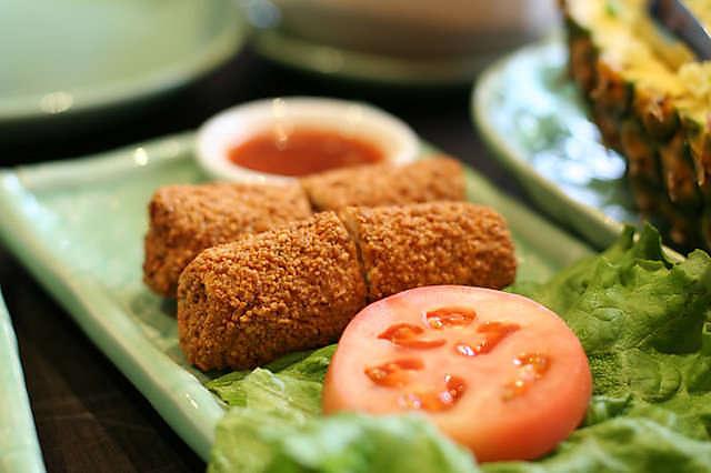 tropika robson food