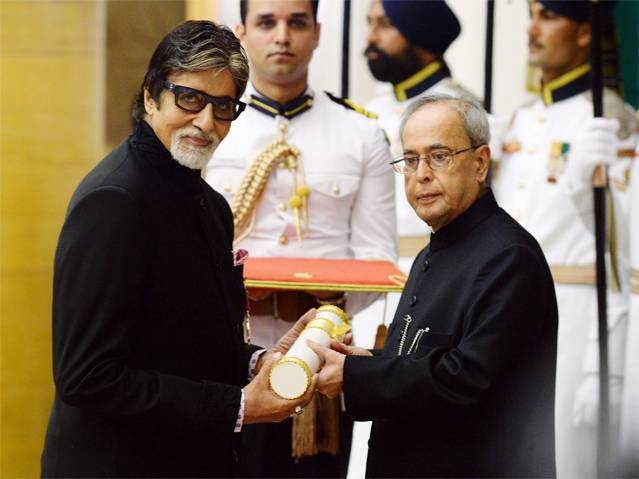 Amitabh Bachchan gets the Padma Vibhushan2