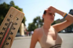 Hot weather, the elderly, children and people with chronic conditions