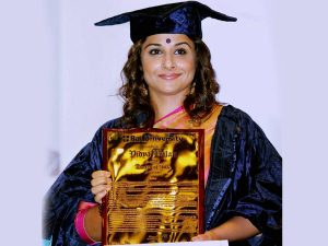 vidya-balan-with doctorate3