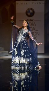 Pernia Qureshi at Suneet Varma's show. Photo: IANS