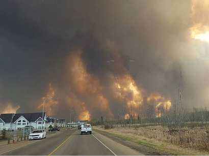 fort-mcmurray-fire-may-3-2016-courtesy-mary-sexsmith-org1