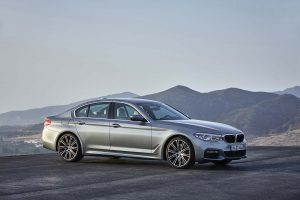 2017-BMW-540i PIC 1